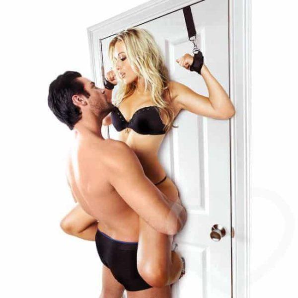 sportsheets-door-ja-cuffs-ovikahleet