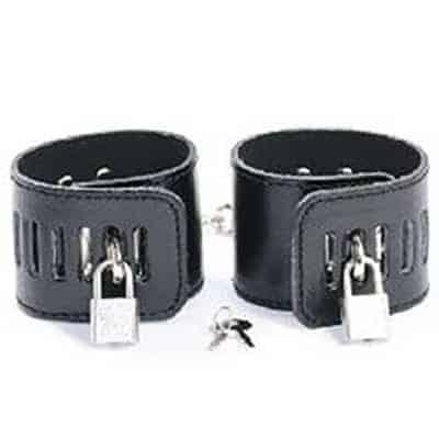 hand-cuffs-black